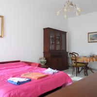 Economy Triple Room with Shared Bathroom