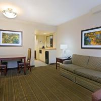King Suite - Hearing Accessible/Non-Smoking