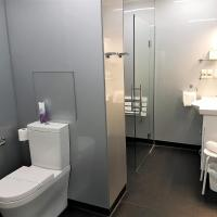 Queen One-Bedroom Apartment - Disability Access