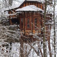 Hotel Pictures: Kulturinsel Einsiedel - Wintertime Treehouse, Zentendorf