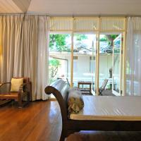 Triple Room with Courtyard View