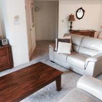 2 Bedroom Ground floor apartment with Garden view(Free WIFI)