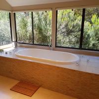 Hotel Pictures: Jarrah Grove Forest Retreat, Rosa Glen