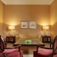 Deluxe Suite with Executive Club Access