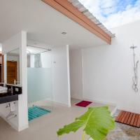 Beach Front Villa - Outdoor Bathroom