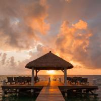 Φωτογραφίες: Weezie's Ocean Front Hotel and Garden Cottages, Caye Caulker