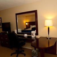 Deluxe Suite with Parlor