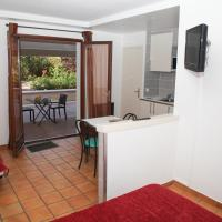 Studio with Bath and Terrace for 4 People