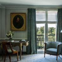 Executive Double Room with Eiffel Tower View