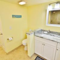 Deluxe Two-Bedroom Apartment with Waterview