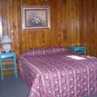 Three-Bedroom Cabin - 12
