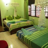 Economy Triple Room with Shared Bathroom and Fan