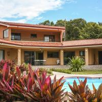 Hotel Pictures: Casa Amarilla Playa Naranjo, Playa Naranjo