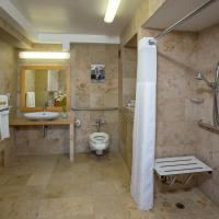 King Room with Bath Tub - Hearing/Disability Access