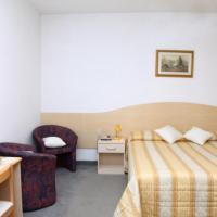 Foto Hotel: Hotel La Rondine, Cavallino-Treporti