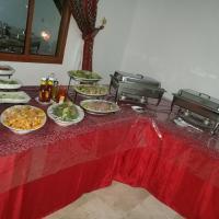 Hotel Pictures: Bait Al Sharaf Hospitality, Al Ḩamrā'