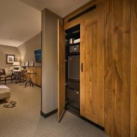 Premium Triple Room (including daily refilled free mini bar)