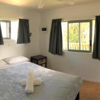 Family Bungalow with Private Bathroom (Sleeps 6)