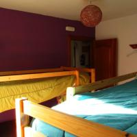 Bunk Bed in 4-Bed Mixed Dormitory Room with Shared Bathroom