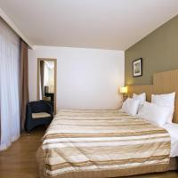 Junior Suite (4 Persons) with Hotel services