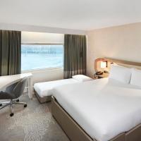 Queen Hilton Guestroom