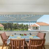 Hotellikuvia: Apartments Dalmatia, Privlaka