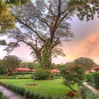 Hotel Pictures: Hacienda Guachipelin Volcano Ranch Hotel & Hot Springs, Liberia