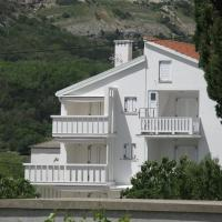 Hotel Pictures: Apartments Posavec, Baška