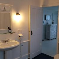 King Room with Spa Bath and Shower