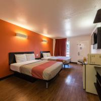 Double Room with Two Queen Size Beds - Non-Smoking