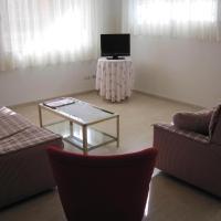 Three-Bedroom Apartment (4-6 Adults)