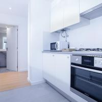 Superior Two-Bedroom Apartment with Hill View