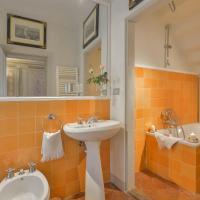 Maggio Frescoes One-Bedroom Apartment
