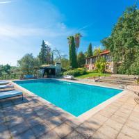 Hotel Pictures: Villa Parisien, Lloseta