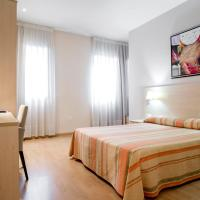 Фотографии отеля: Hotel Rostits, Кастельон-де-ла-Плана