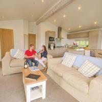 Becton Lodge 3 Plus
