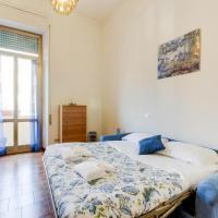 Three-Bedroom Apartment with Balcony - 12 Circonvallazione Clodia
