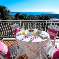 Two Bedroom Apartment with Balcony and Sea View
