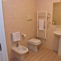 Suite with Balcony - Split Level