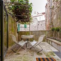 Studio Apartment with Balcony