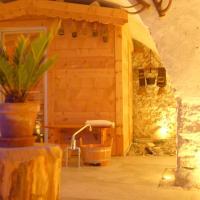 Hotel Pictures: Weisses Kreuz, Sta Maria Val Müstair