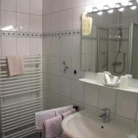 Hotelbilleder: Hotel Harzer am Kurpark, Bad Herrenalb