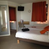 Quadruple Room with 2 Single Beds