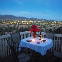 Hotel Pictures: Luces de la Ciudad Four-bedroom Holiday Home, Santa Fe