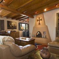 Hotel Pictures: Plaza Splendor Three-bedroom Holiday Home, Santa Fe