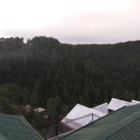 Fotos do Hotel: Spacious Private Cottage near Middle Sangti, Shimla, Shimla