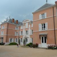 Hotel Pictures: Chateau de la Chapelle des Bois, Fleurie