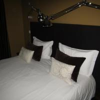 Double or Twin Room (2 Adults + 1 Child)
