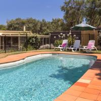 Zdjęcia hotelu: Woodland Beach House - with sparkling pool, Blairgowrie