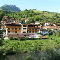 Hotel Pictures: Family Hotel Enica, Teteven
